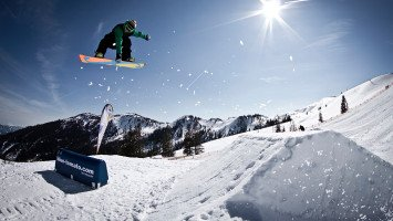 Freestyle Coachings mit der Blue Tomato Snowboard School