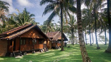Sumatra Surf Resort